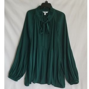 Time and Tru Green Blouse